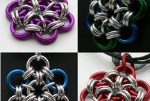 Smycken i metalltråd