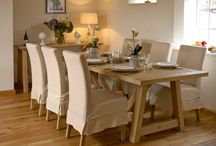 Autumn Dining Rooms / Autumn is the season of feasting, sharing food with friends and family, harvest suppers, long evenings around the table, comfort food and Christmas occasions. Make sure your table is the hub of your home and the place where memories are made. You will find your perfect table here. Visit https://www.holloways.co.uk/4974-dining-tables for the full selection.