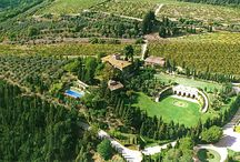 Winery Tuscan Wedding / An elegant and simple Tuscan wedding in one of the most beautiful wineries of Chianti