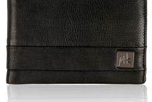 LeatherMall by M+K / Δερμάτινα είδη: τσάντες, πορτοφόλια, organizer, μπρελόκ. Φίνα δέρματα, μοντέρνος σχεδιασμός, άριστα αξεσουάρ. Με την υπογραφή της Μ&Κ. M+K: Leather goοds, our everyday elegant partners. Briefcases, wallets, organizers, keyholders. Греческая компания M+K работает на мировом рынке изделий из кожи с 1987 года. Мы производим сумки, кошельки, organizers и др. изделия из кожи.
