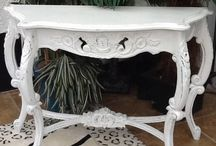 Shabby chicconsol table