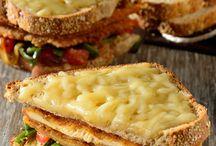 La lonchería / Hora del recreo!!! Please, que sea mi torta de huevito con jamón, jajajaja.