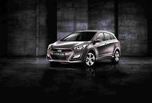 Hyundai i30 Vagon 2014 / Agresywna stylistyka inspirowana naturą Punktem wyjścia przy projektowaniu i30 był śmiały język projektowania Fluidic Sculpture (Opływowa Rzeźba) wykorzystujący płynne linie inspirowane naturą. W rezultacie powstał wszechstronny samochód o wyglądzie zapadającym w pamięć.