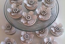 Cupcakes / by Laurel Moore-Wheatley