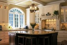 Dream Kitchens / by Hope Hallinan