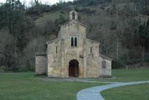 Valdedios / Valle de la comarca de la Sidra en donde se encuentra la joya del preromanico asturiano : El conventin y tambien Casa Ines