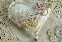 Crafts - Pillows & Pincushions / by Claudia Tyler