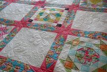 QUILTS I WANT ! / by Kathy Thomas
