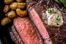 pepper crusted rib eye with mushrooms butter