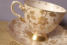 Cups and saucers / Kop en schotels.
