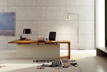 Решения для офиса от фабрики Babini / Каждый продукт фабрики Babini – это результат пути, который проходит через креативные оригинальные знания и анализ возможности индустриального производства. Babini Office – это синоним мебельных решений, которые отвечают на всю проблематику и пожелания современного офиса: вариации расстановок, работа группы, разделение рабочих мест, высокая представительность офиса. И человек всегда в центре каждого проекта.