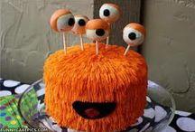 More Cakes / CAKE!!