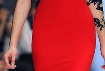 vestido vermelho / Decote CANOA