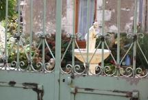 Hekke / Die poorte na ongelooflike tuine
