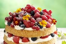 Maukkaat marjareseptit / Berry Delicacies  / Valmista sesongin marjoista kauniit kakut, juhlavat jälkiruoat, veikeät välipalat sekä jäähdyttävät juomat ja parhaat piiraat.