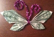 Pengegaver, pengefoldning, moneygifts / Different ideas for moneygifts found on Pinterest