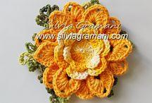 Flores em Barbante / Flores de crochê em brabante para aplicação em tapetes.