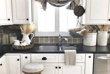 Kitchen Decor / Follow our board for the latest and greatest kitchen decor ideas and organization. DIY tips and tricks. Here is to having a beautiful and inviting kitchen! :)