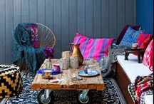Saturated sanctuary / Deep colors for a darker retreat