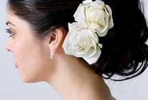 Wedding Flower Ideas for your Hair  / Flowers for your hair and your bridal party on your wedding day.