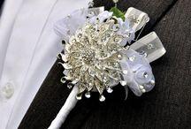 Ékszercsokrok - jeweled brooch bouquet