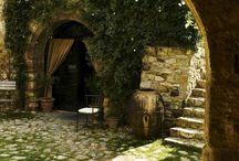 Dvorek / Courtyards