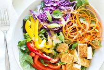 Vegan Salads / Healthy vegan salad recipes from around the web. Pinned by Loveleaf Co.