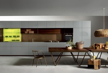 HT50 / HT50 - design Massimo Castagna - revisits and modernises a theme that has always been particularly dear to Rossana, the concept of the portal kitchen, which gave rise to a number of superlative quality and highly successful products made by Rossana in the 1980s. More info at: http://www.rossana.it/en/products/ht50/concept.html