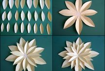 paper flowers / by Maria Laura Uggetti
