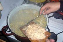 halusky...aj guláš slovenské národné jedla
