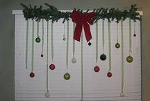 Decoration Ideas / Front Door Christmas Decoration / by Caitlynn Leslie