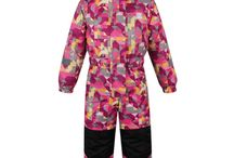ZIMA 2015 Dětské sportovní oblečení LOAP / Dětské oblečení LOAP je barevné, veselé, hravé, ale hlavně funkční. V závislosti na aktuální kolekci si můžete v zimě vybírat dětské zimní bundy, kalhoty ale také fleecové mikiny. Na jaře jsou zase velmi oblíbené dětské softshellové bundy a trička s potiskem.