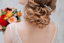 Winter Brides / Make-up and Hair #weddinghair #curls #wedding #makeup #wedding #updo #hairstyle