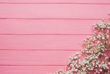 Фон розовый деревянный