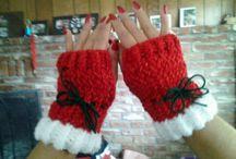 Loom knit gloves