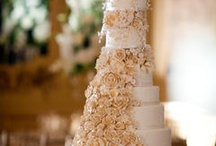 Specialty Wedding Cakes / The DuPont Wedding Collection has an unmatched reputation for creating spectacular wedding cake confections that look like a dream and taste heavenly.