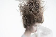 Les coiffures avant-garde.