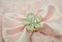 Napkin and Ring Details / Napkin style and ring designs for your events