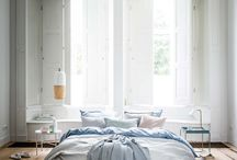 Bedroom colours / Cornflower blue, white and aquas