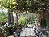 gardens/courtyards