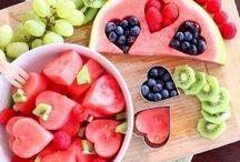 meyve ve tatlı şöleni