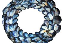 DYI Shell Wreaths & Mirrors / Many of these fabulous wreaths & mirrors include instructions.