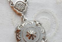 Antique Button Jewelry Designs / Jewelry that I make using antique and vintage buttons.