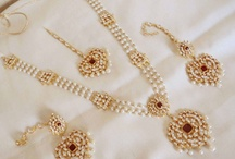 Pearls and jewellery sets