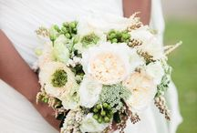 White Wedding Flowers (Bouquets, Centerpieces and Decor)