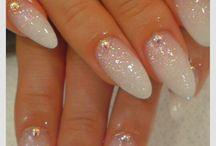 Αμυγδαλωτά νύχια