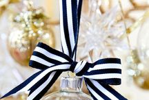 Navy Gold & Winter White Holiday Inspiration & Ideas / A collection of elegant navy, gold & winter white inspiration & ideas for the holidays.