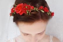 Vlasy a korsáže / svatební dekorace účesů a korsáže