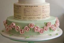 Vintage-y Wedding Cakes