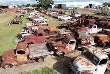 old rust bukets